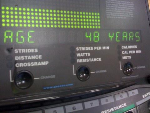 """""""Cross trainer"""" registrando a minha nova idade"""