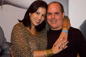 Ecio Cordeiro e a amiga Carla Daniel